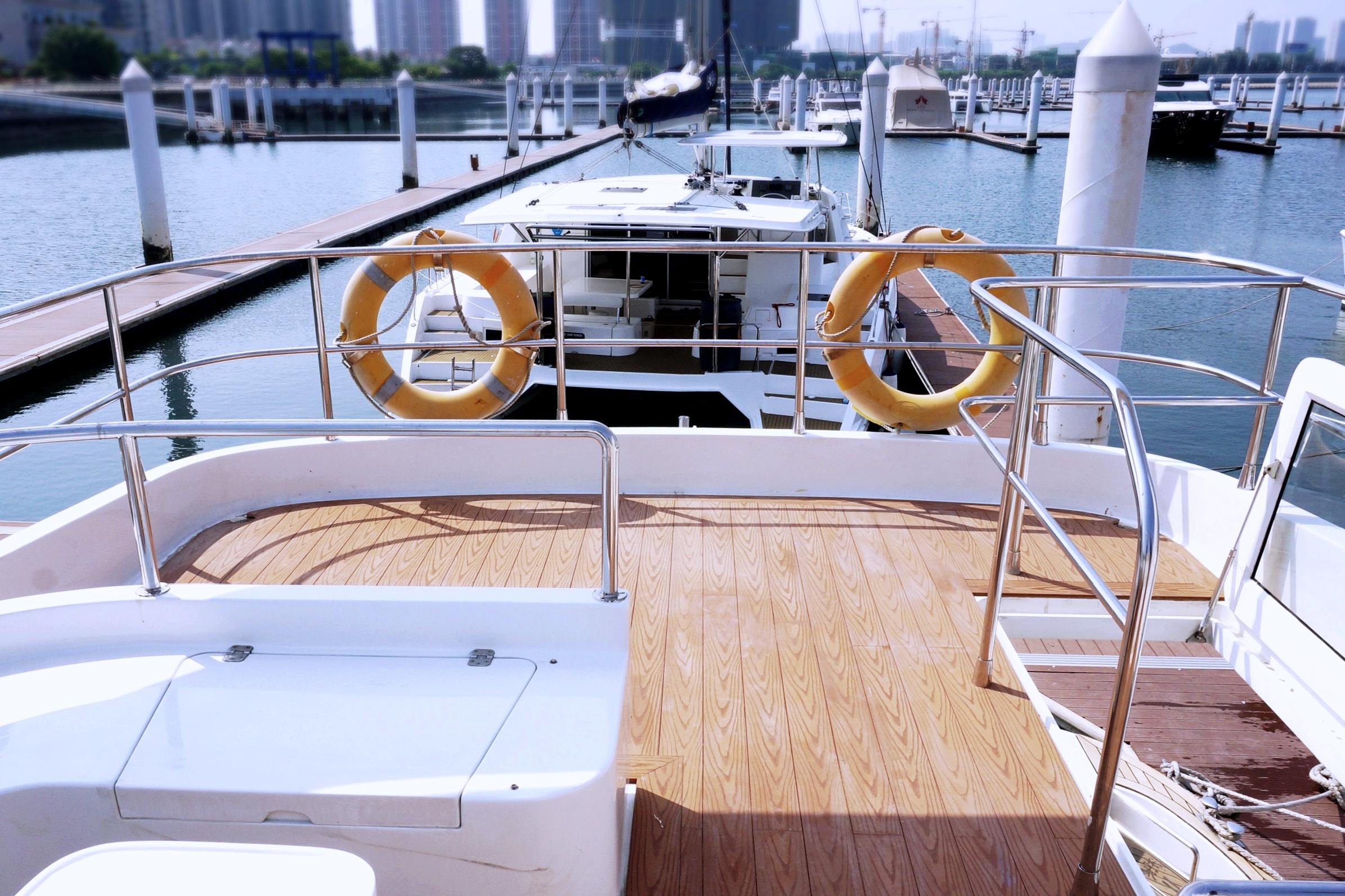 Yacht flooring